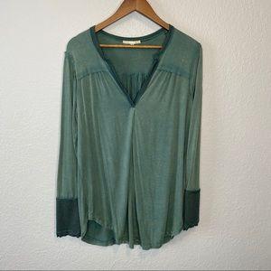 Gimmicks | NWOT Green Long Sleeve V-Neck